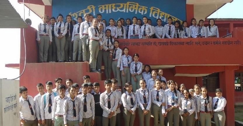 Scholieren van de Ishwori school in Gumli
